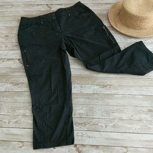 CHICO'S black cropped cargo pants size 0.5